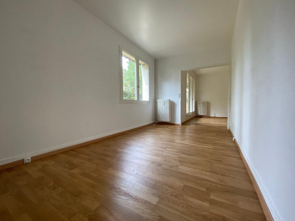 Appartement à louer 5 94.67m2 à Compiègne vignette-3