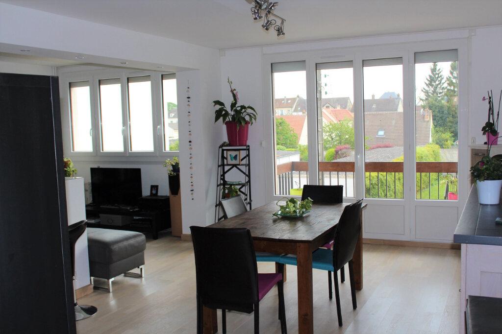 Appartement à louer 5 91.02m2 à Margny-lès-Compiègne vignette-1