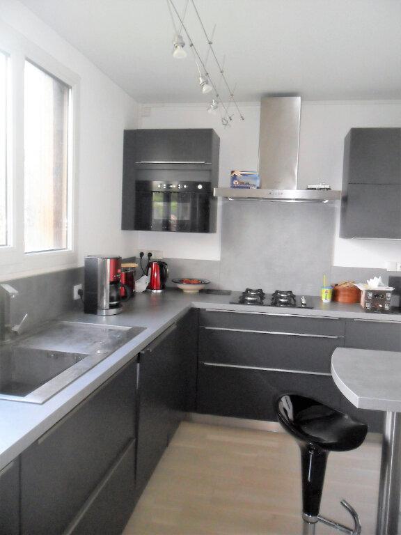Appartement à louer 5 91.02m2 à Margny-lès-Compiègne vignette-2