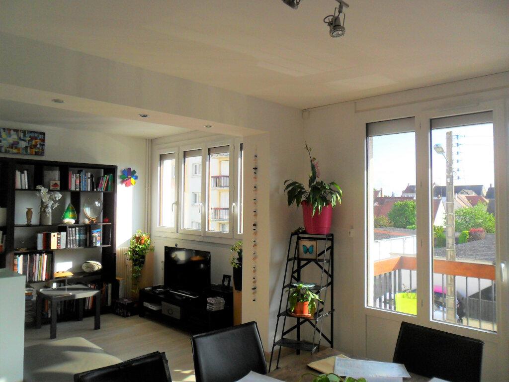 Appartement à louer 5 91.02m2 à Margny-lès-Compiègne vignette-3