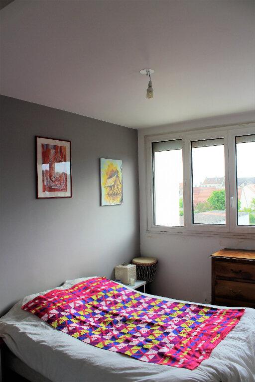 Appartement à louer 5 91.02m2 à Margny-lès-Compiègne vignette-4