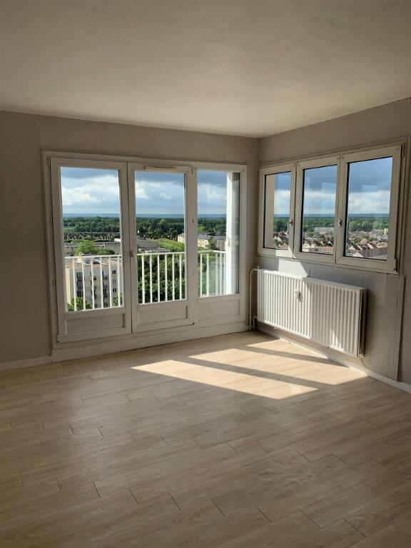 Appartement à louer 2 47.37m2 à Compiègne vignette-1