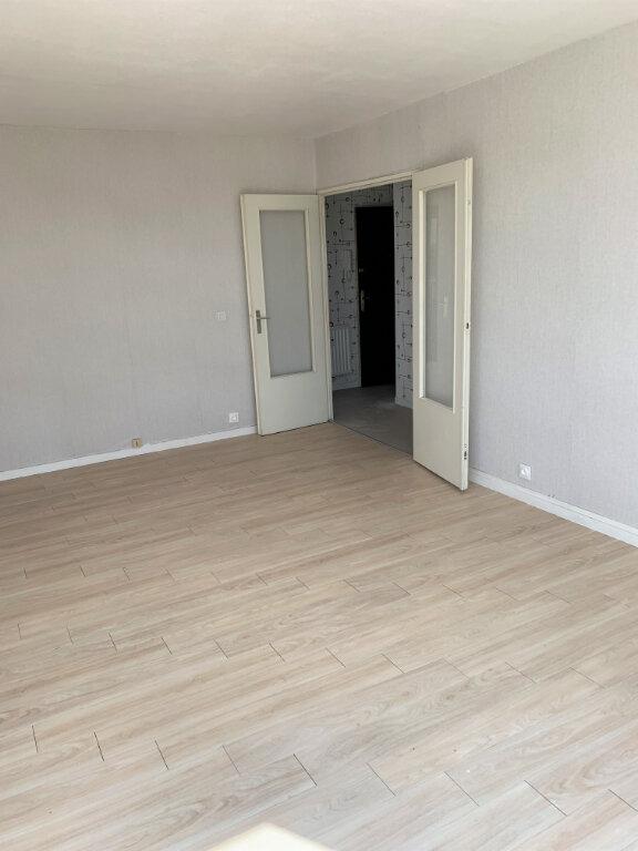 Appartement à louer 2 47.37m2 à Compiègne vignette-3