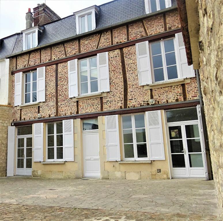 Maison à louer 8 183.34m2 à Compiègne vignette-1