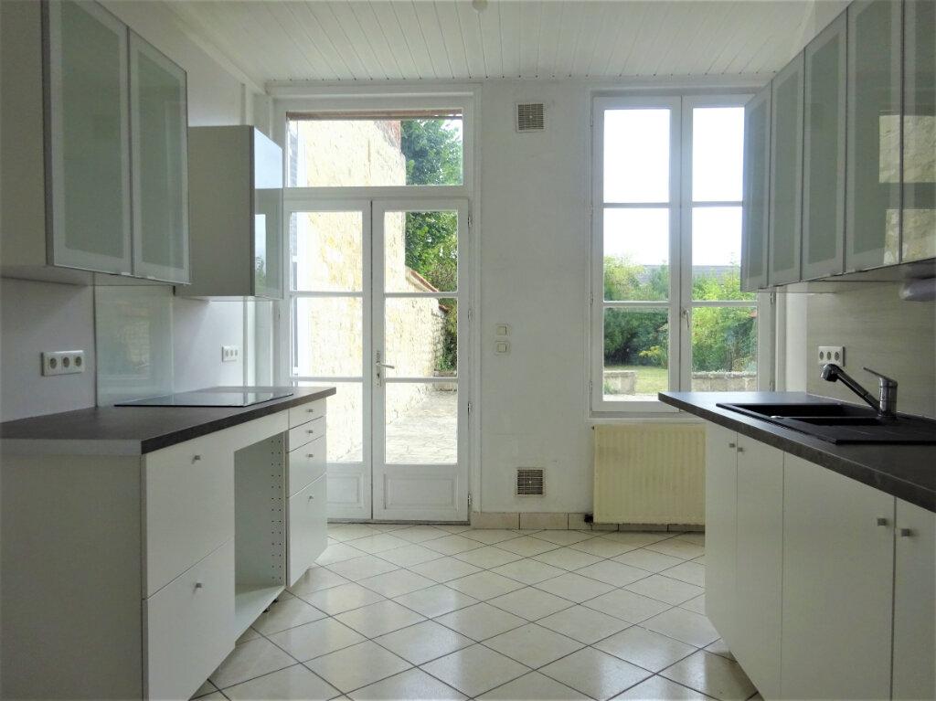 Maison à louer 8 183.34m2 à Compiègne vignette-2