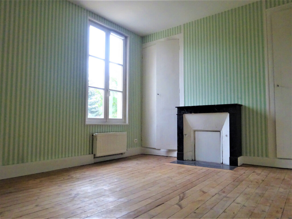 Maison à louer 8 183.34m2 à Compiègne vignette-6