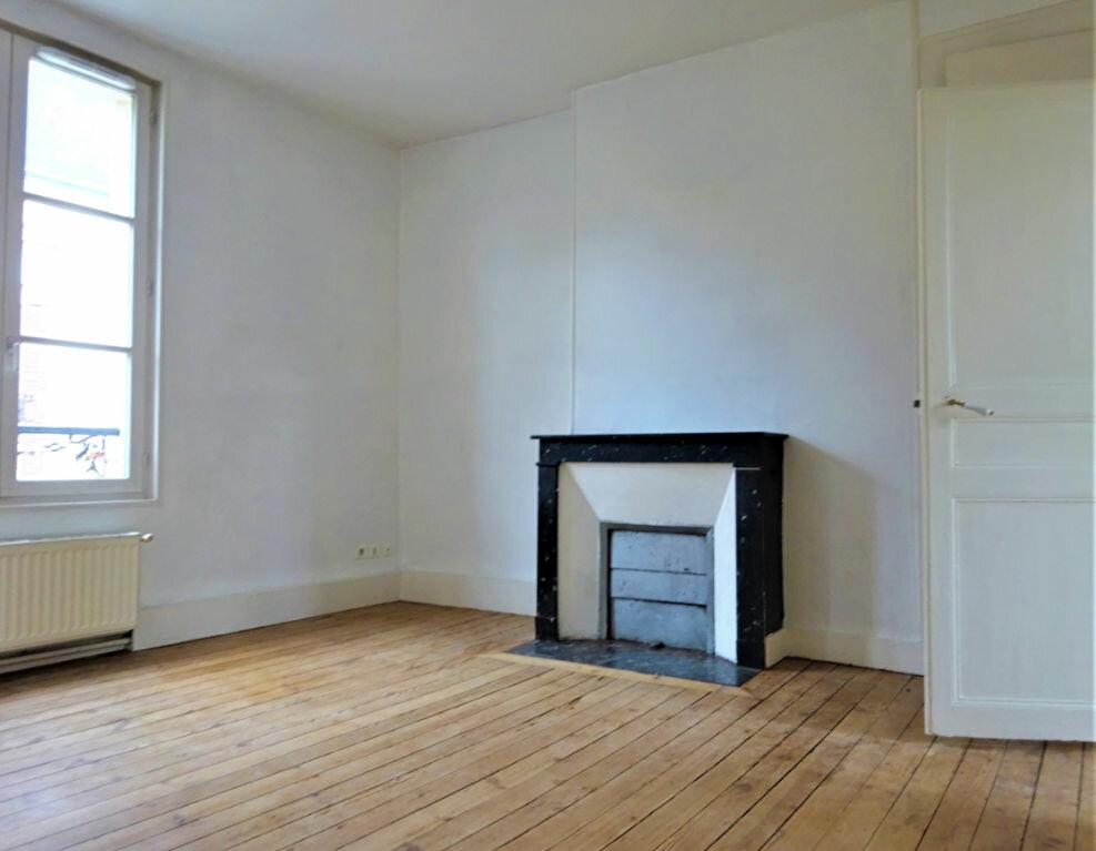 Maison à louer 8 183.34m2 à Compiègne vignette-7