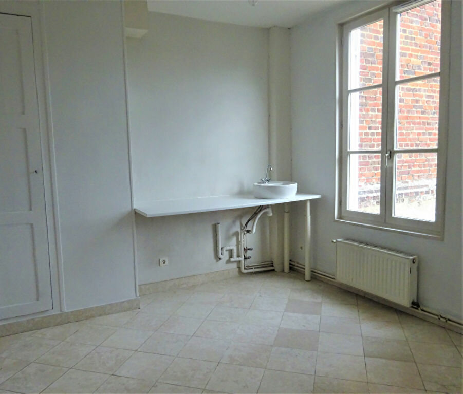 Maison à louer 8 183.34m2 à Compiègne vignette-8