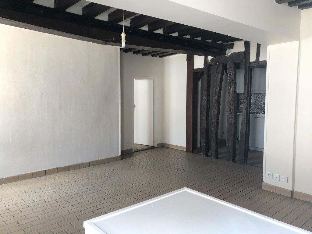 Appartement à louer 2 55.08m2 à Compiègne vignette-3