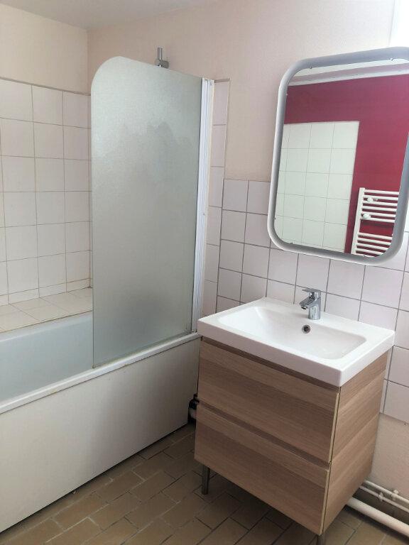 Appartement à louer 2 55.08m2 à Compiègne vignette-4