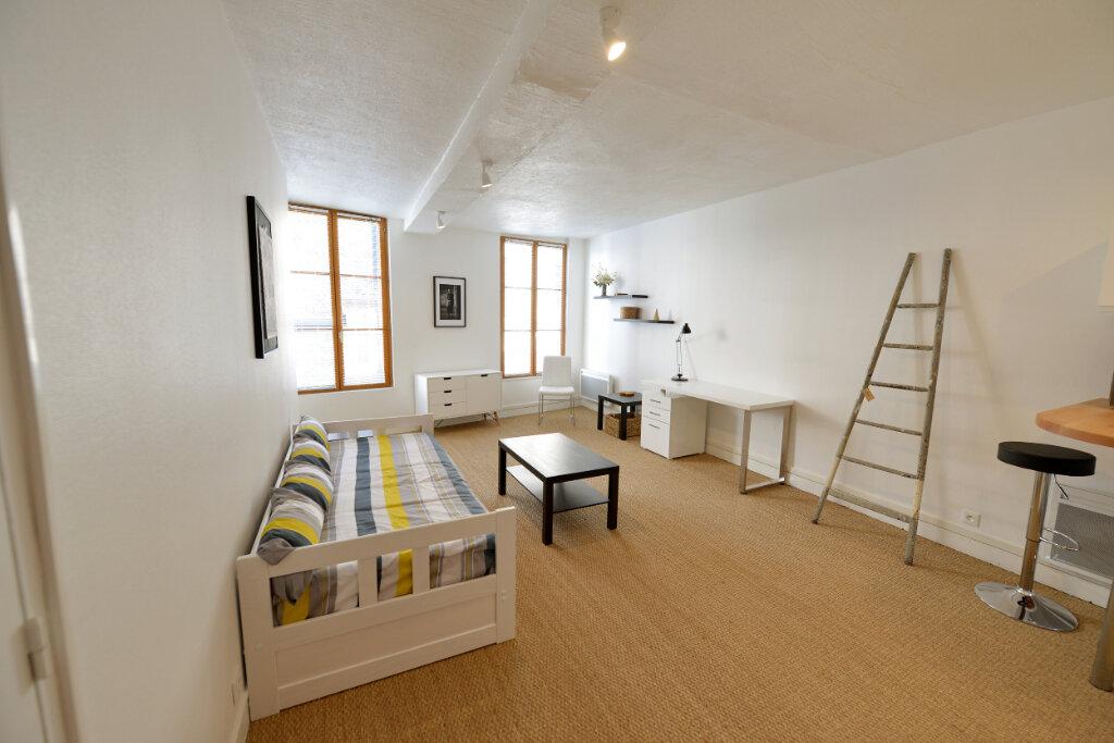 Appartement à louer 1 31.01m2 à Compiègne vignette-1