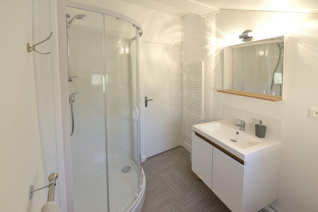 Appartement à louer 1 31.01m2 à Compiègne vignette-2
