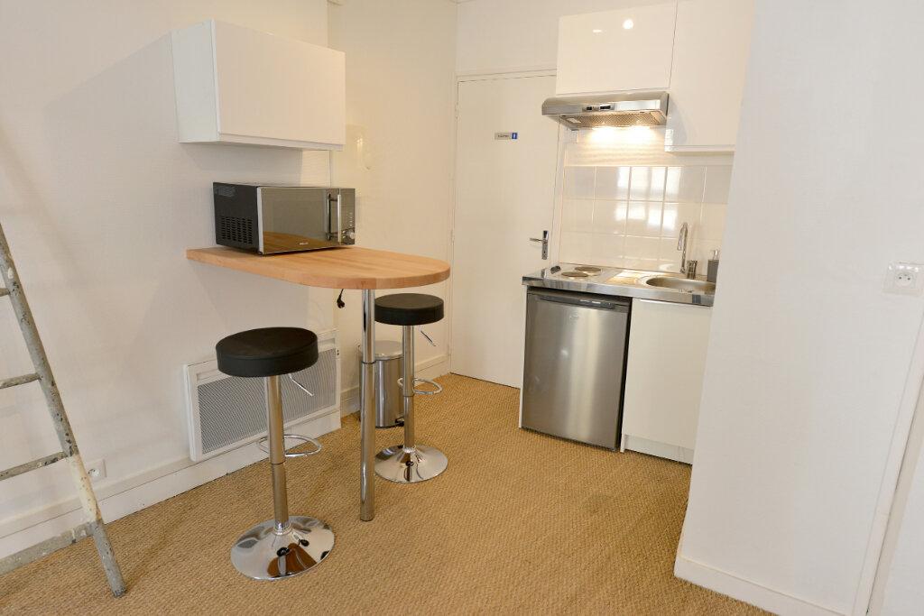 Appartement à louer 1 31.01m2 à Compiègne vignette-3
