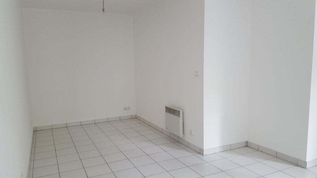 Appartement à louer 1 30.02m2 à Margny-lès-Compiègne vignette-2