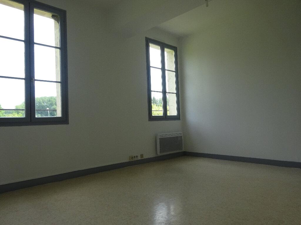 Appartement à louer 2 46.56m2 à Chevincourt vignette-2