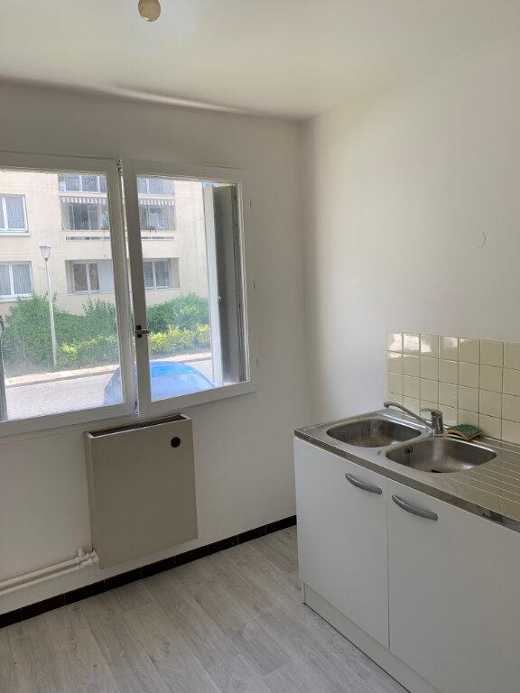 Appartement à louer 2 47.59m2 à Compiègne vignette-1