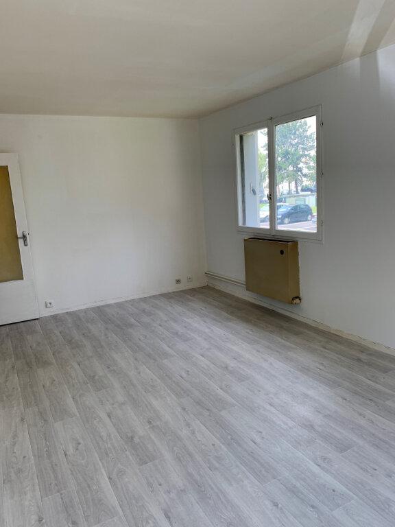 Appartement à louer 2 47.59m2 à Compiègne vignette-2
