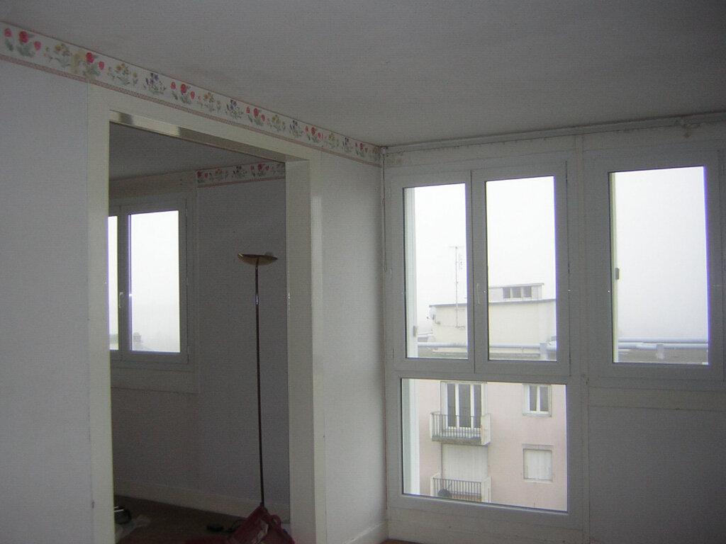 Appartement à louer 3 68.98m2 à Compiègne vignette-2