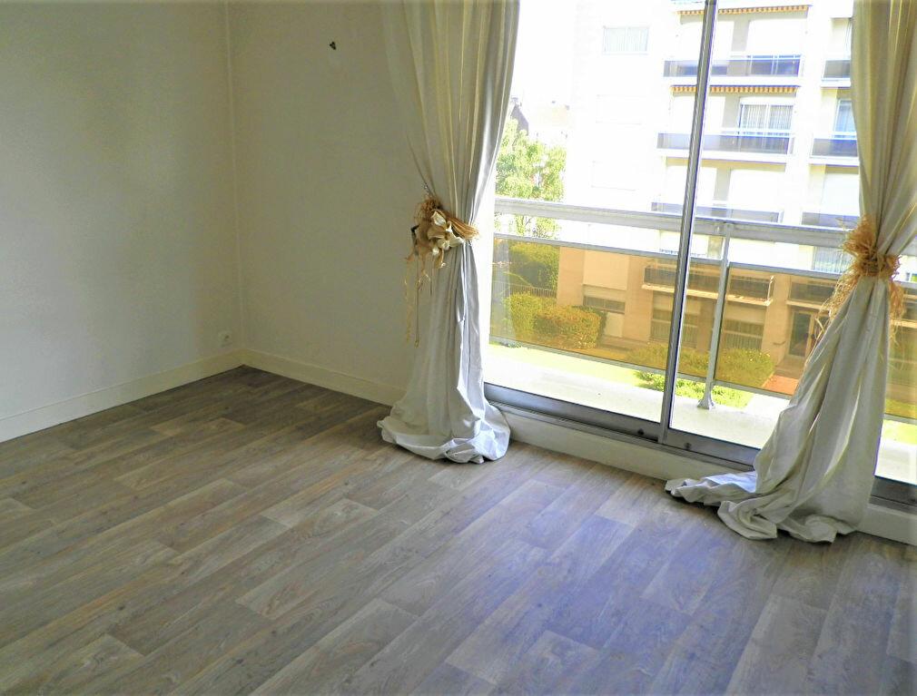 Appartement à louer 2 45.15m2 à Compiègne vignette-4