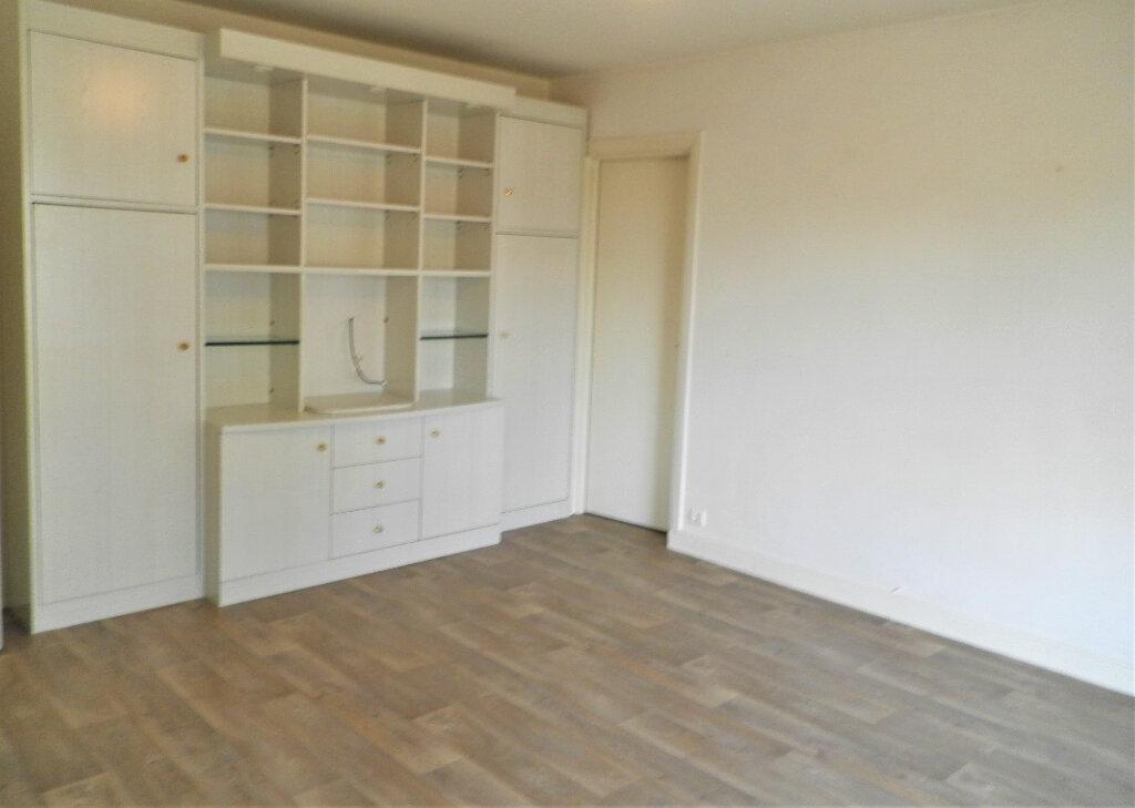 Appartement à louer 2 45.15m2 à Compiègne vignette-6