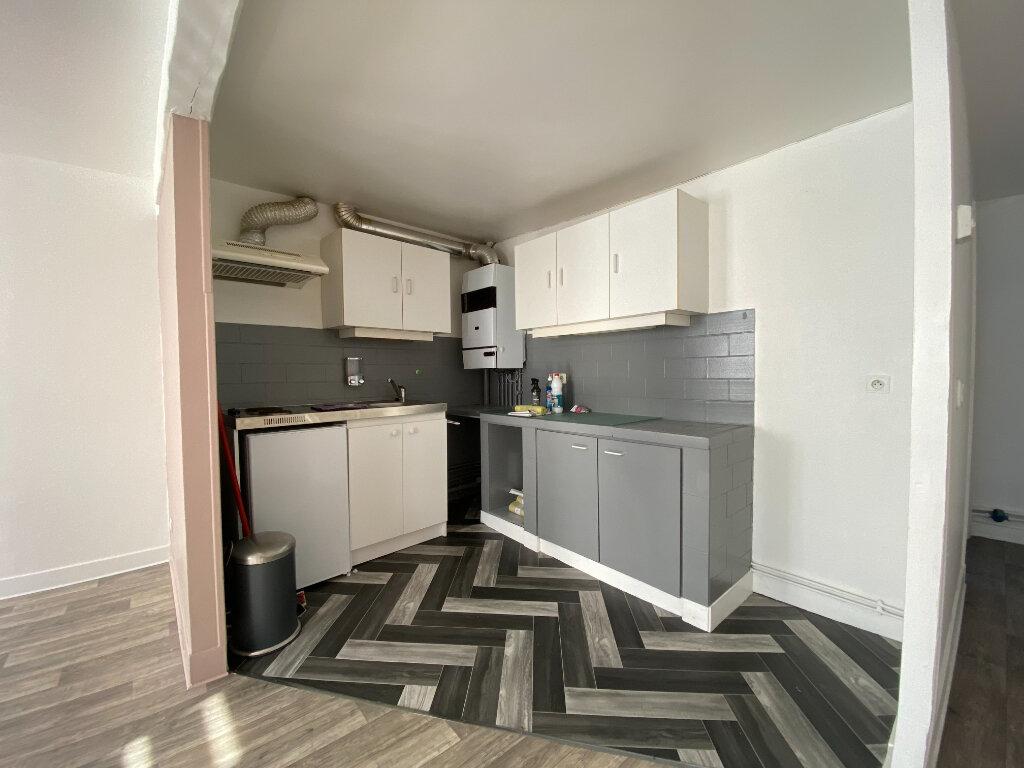 Appartement à louer 3 48.53m2 à Compiègne vignette-1
