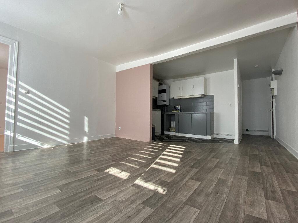 Appartement à louer 3 48.53m2 à Compiègne vignette-2