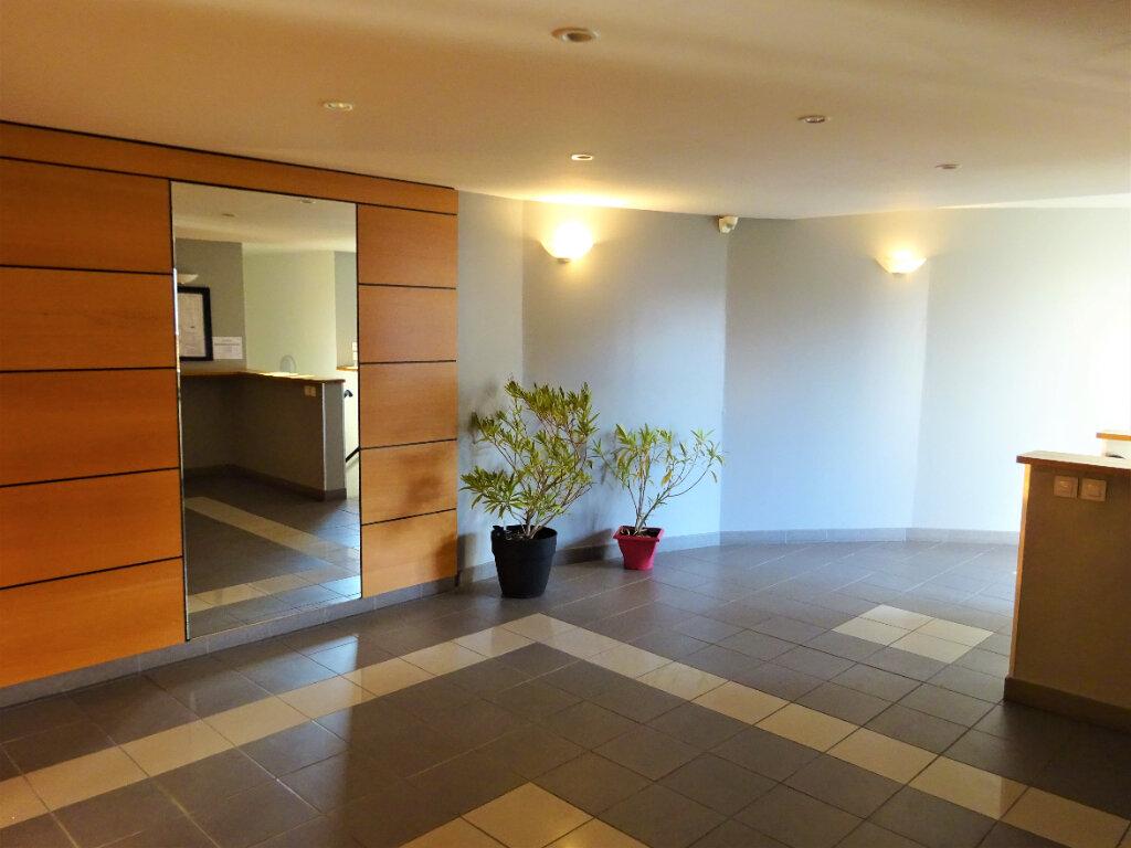Appartement à vendre 2 44m2 à Compiègne vignette-6