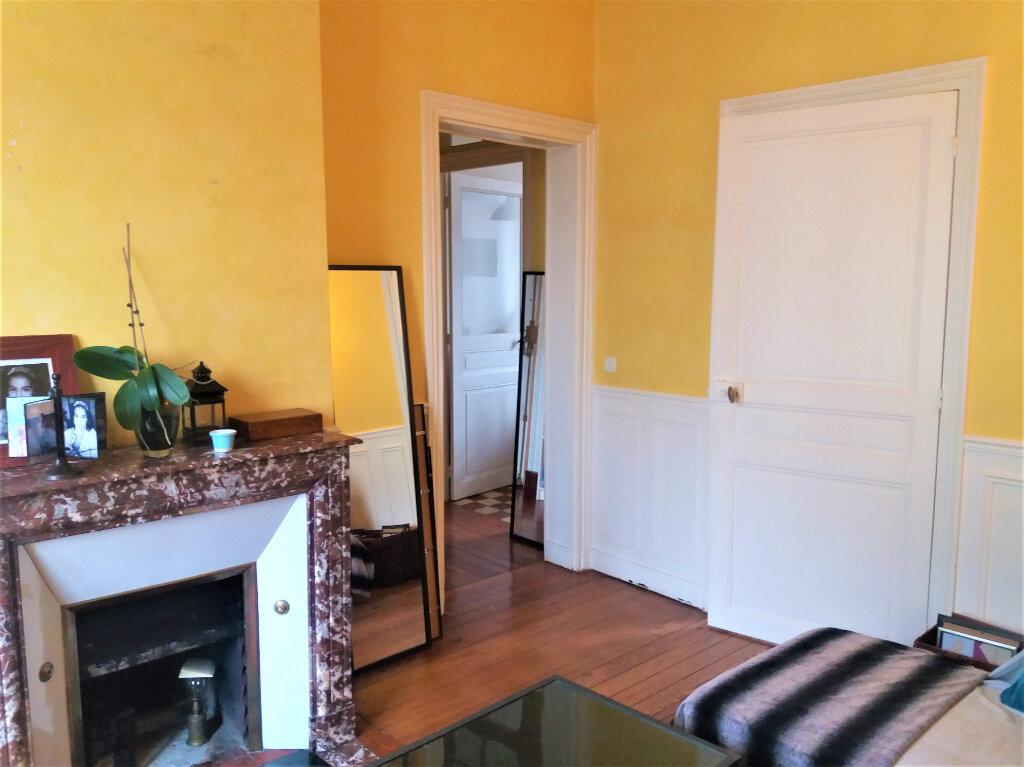 Appartement à louer 3 65.15m2 à Compiègne vignette-1