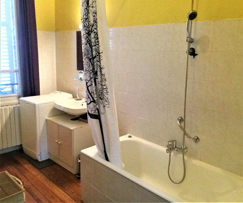 Appartement à louer 3 65.15m2 à Compiègne vignette-4