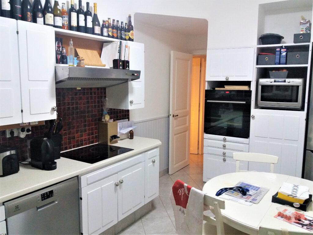 Maison à louer 5 131.66m2 à Compiègne vignette-5