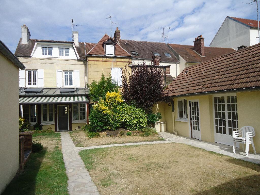Maison à louer 5 131.66m2 à Compiègne vignette-9