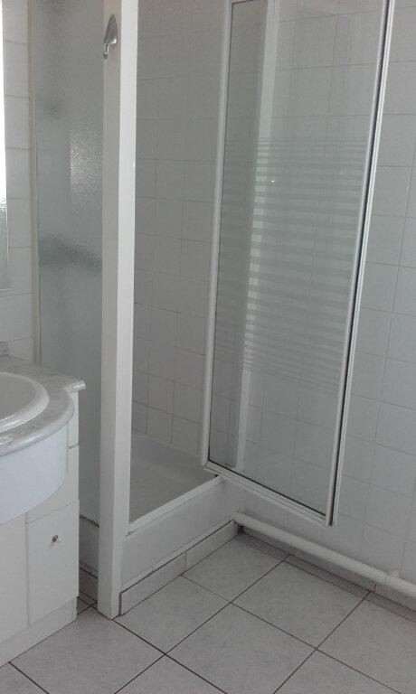 Appartement à louer 2 48.91m2 à Compiègne vignette-3