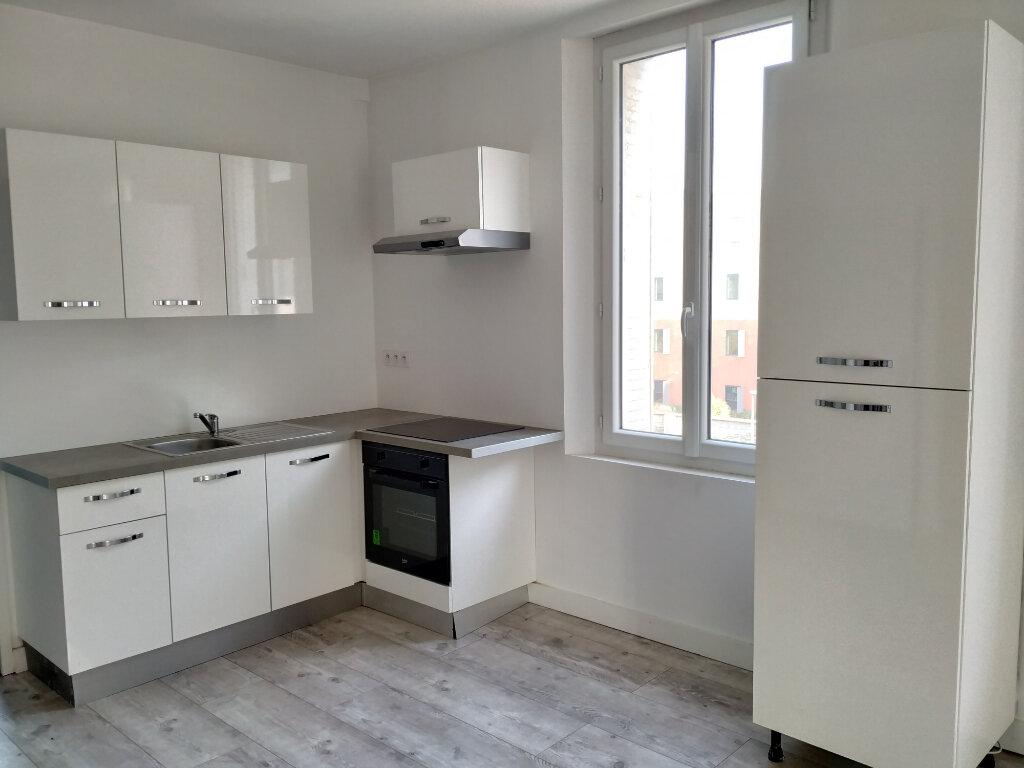 Appartement à louer 3 45.27m2 à Margny-lès-Compiègne vignette-3