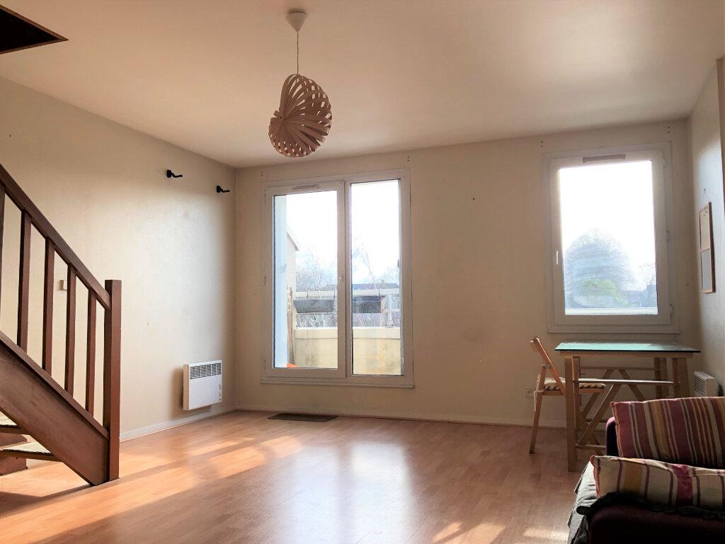 Appartement à louer 2 46.54m2 à Compiègne vignette-1