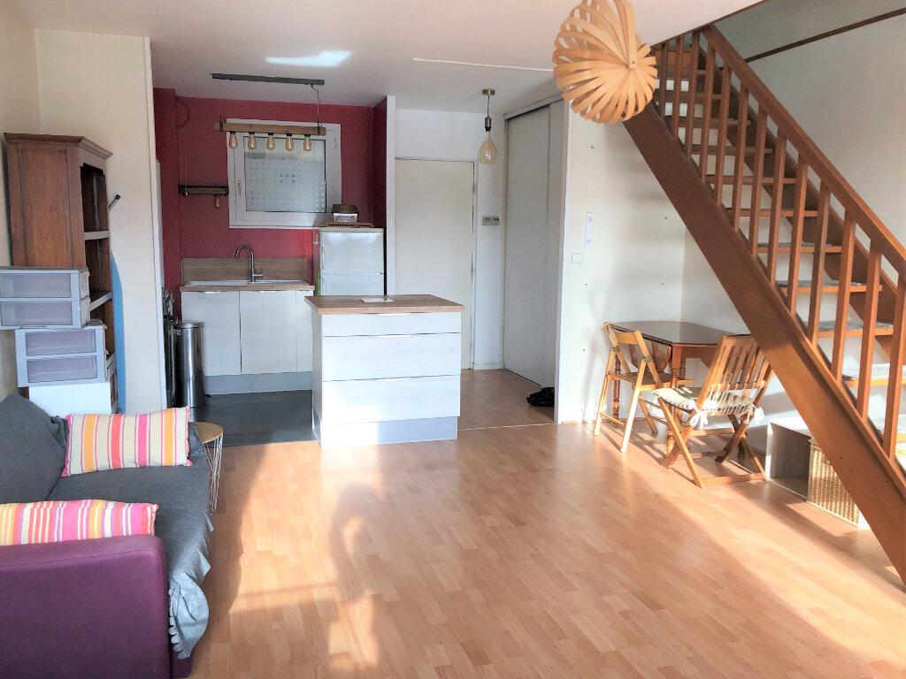 Appartement à louer 2 46.54m2 à Compiègne vignette-2