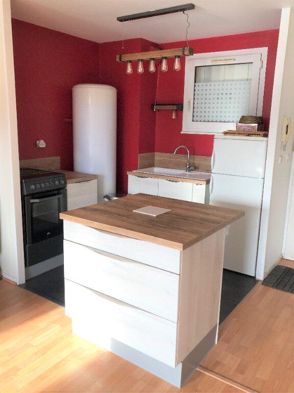 Appartement à louer 2 46.54m2 à Compiègne vignette-3