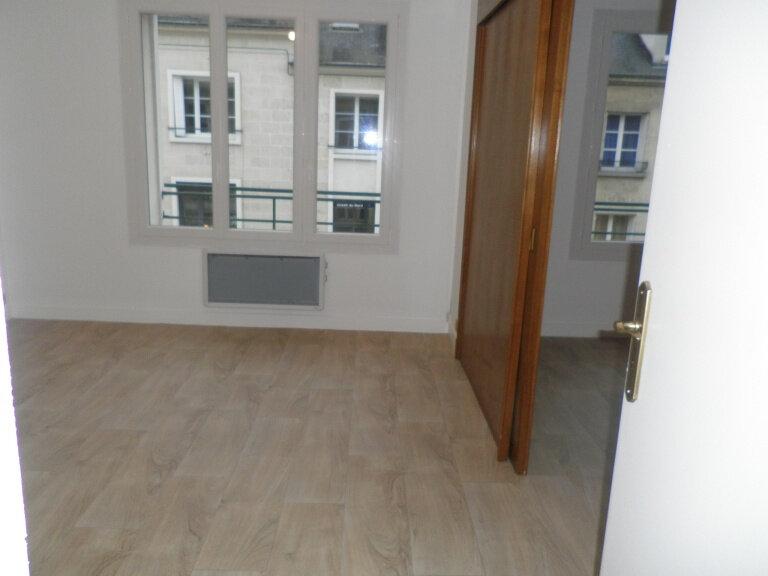 Appartement à louer 2 52.6m2 à Compiègne vignette-3