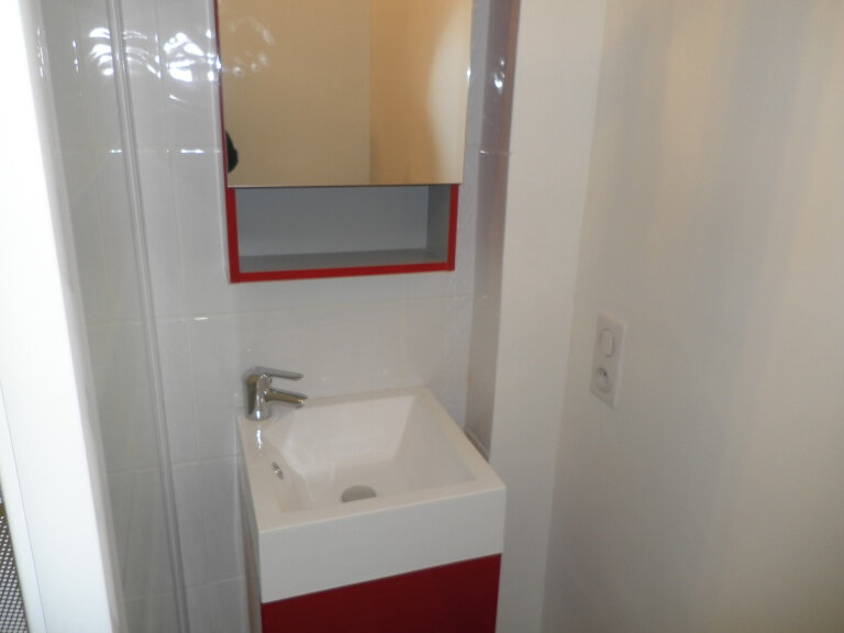 Appartement à louer 2 52.6m2 à Compiègne vignette-4