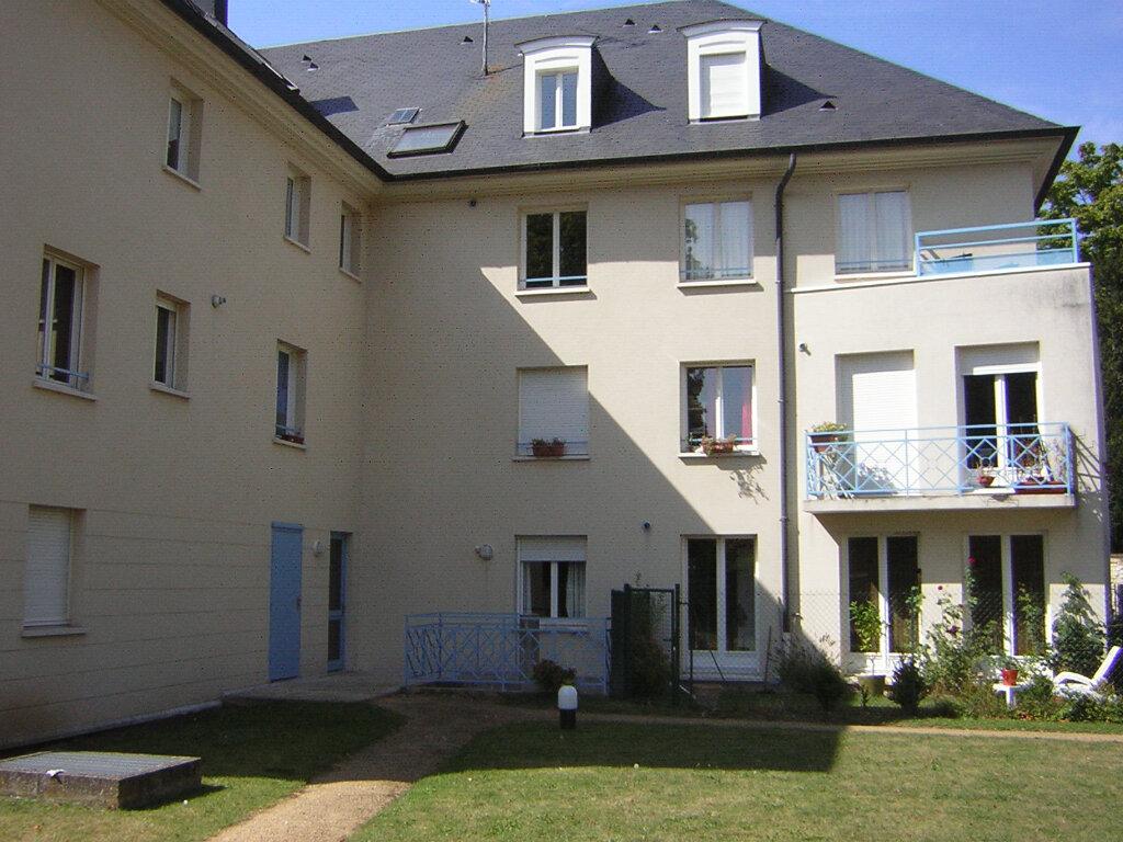 Appartement à louer 1 29.46m2 à Compiègne vignette-1