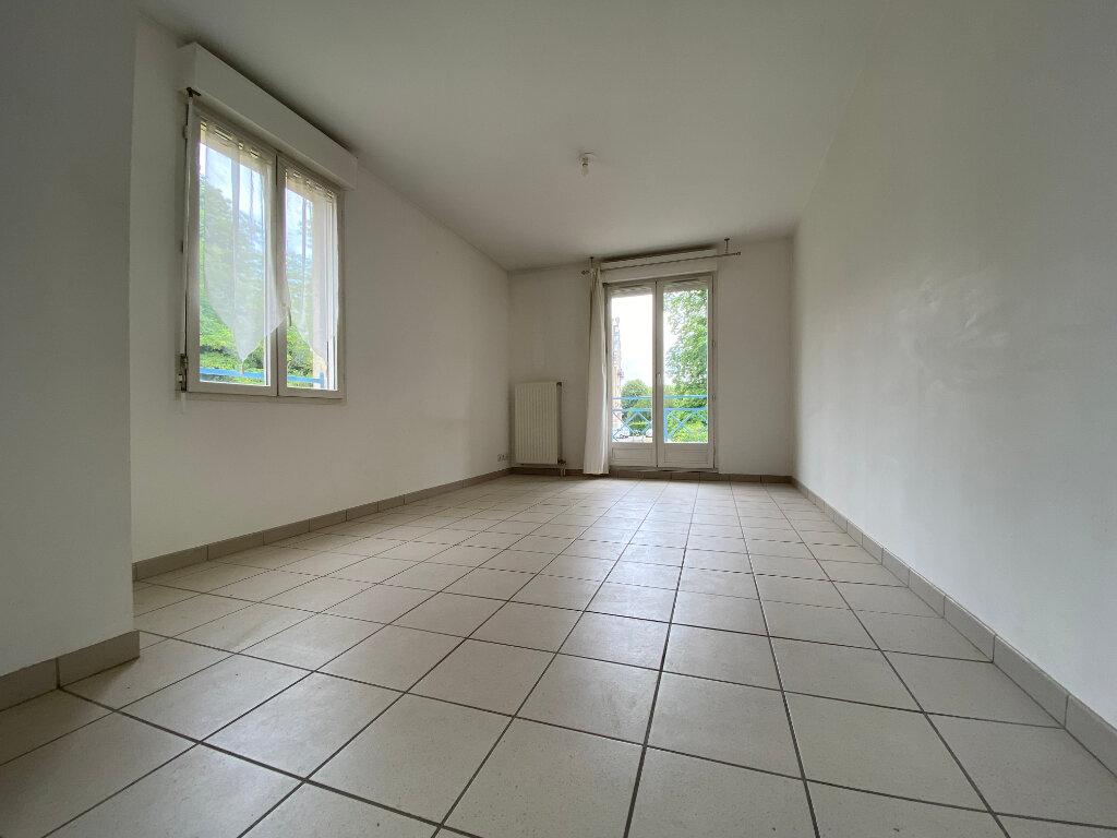 Appartement à louer 1 29.46m2 à Compiègne vignette-2