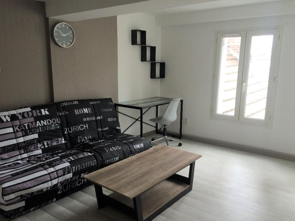 Appartement à louer 1 20.49m2 à Compiègne vignette-2
