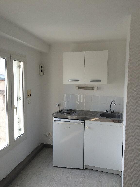 Appartement à louer 1 20.49m2 à Compiègne vignette-3