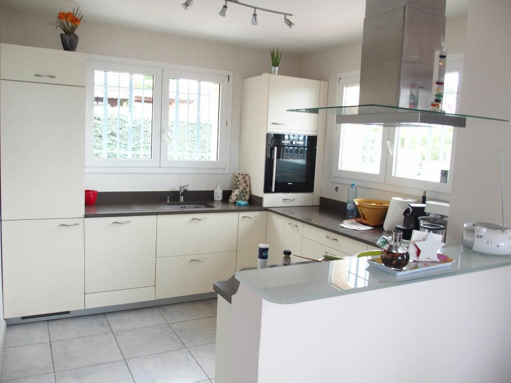 Maison à vendre 6 160m2 à Carqueiranne vignette-6