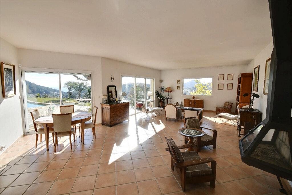 Maison à vendre 8 200m2 à Carqueiranne vignette-5