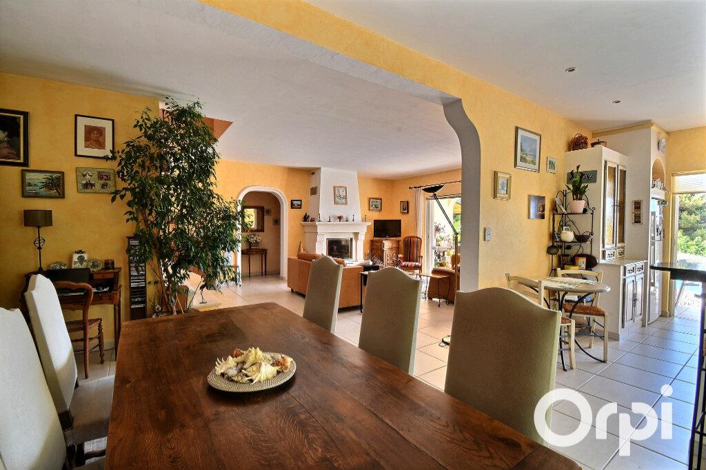 Maison à vendre 6 145m2 à Carqueiranne vignette-3