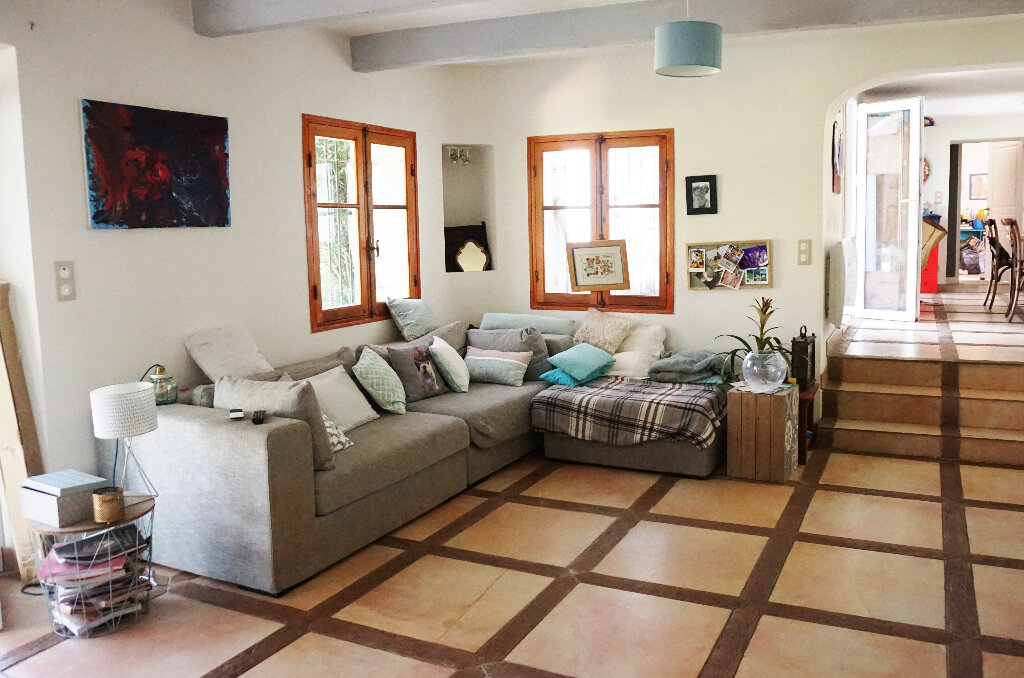 Maison à vendre 5 122m2 à Carqueiranne vignette-6