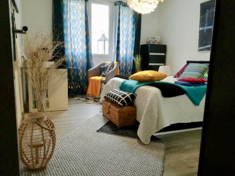 Appartement à vendre 4 85.56m2 à Uzès vignette-3