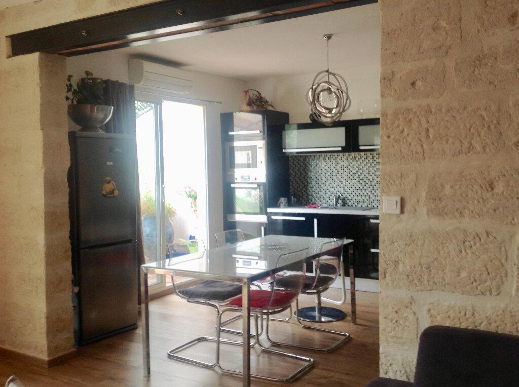 Appartement à vendre 4 85.56m2 à Uzès vignette-12