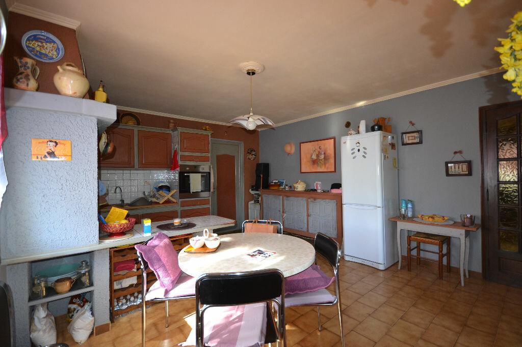Maison à vendre 5 115m2 à Arpaillargues-et-Aureillac vignette-12