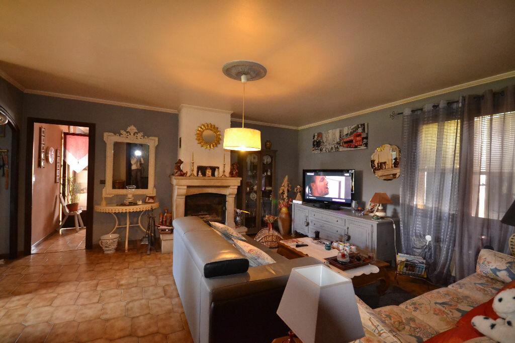 Maison à vendre 5 115m2 à Arpaillargues-et-Aureillac vignette-13